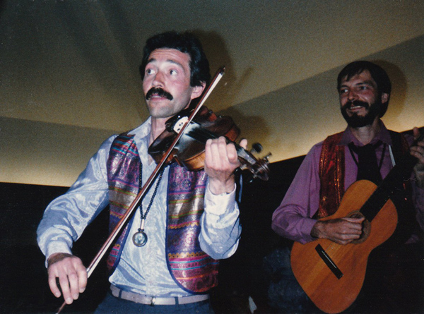 Volodya and Bhavito playing for Osho